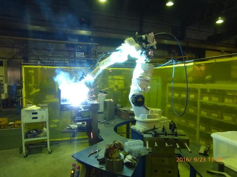 7軸溶接ロボット 新規導入完了
