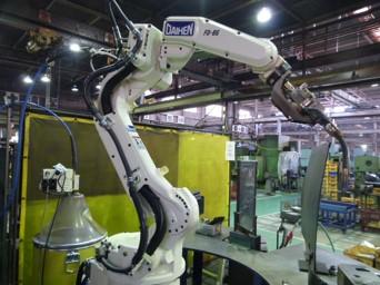 溶接ロボット導入
